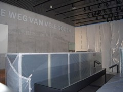 Museums and galleries worldwide use Curtain-Wall® to prevent contaminants from traveling from one gallery to another during installion or renovation.